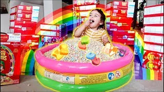 MAGICAL LUCKY CHARMS CEREAL POOL!!! (TOO CUTE)