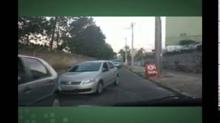Telespectador flagra motoristas na contram�o na rua Coronel Fraga, em BH