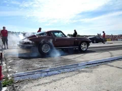 Chevrolet Corvette C2 Burnout