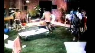Poncho Sin Ropa. Michel, Pato Corriendo En Calzones
