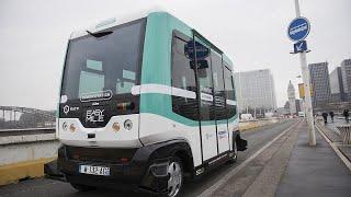 حافلة ذاتية القيادة في شوارع مدينة مالغا الإسبانية