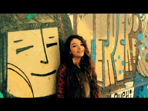 Happy - Pharrell Williams (Cover acústico por Karla Grunewaldt)