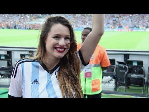 Brasil 2014: Pampita alentó a la Selección junto a Citroën