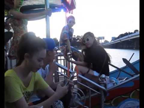 12 Cá Tính du thuyền Rồng trên Sông Hương
