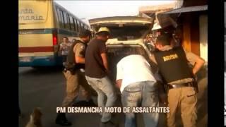 Usando t�tica inusitada, PM desmonta moto de assaltantes para impedir fuga