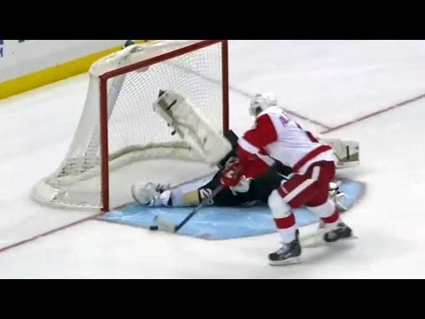Fleury flips on his back to deny Alfredsson