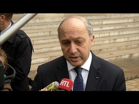 "Laurent Fabius prêt à ""examiner la perspective de sanctions"" à l'encontre de l'Ukraine - 19/02"