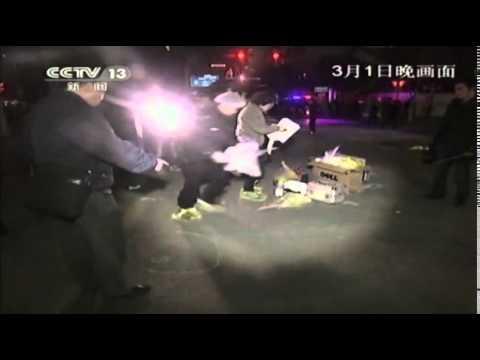 Sinh viên Trung Quốc chém nhau làm 33 người chết và 143 người bị thương
