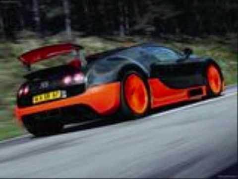 bugatti veyron super sport vs koenigsegg agera youtube. Black Bedroom Furniture Sets. Home Design Ideas