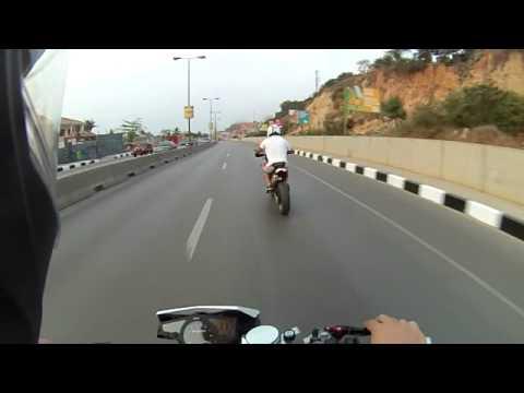 Benfica a Luanda - Huqsvarna Nuda 900, Remus Hypercone exhaust