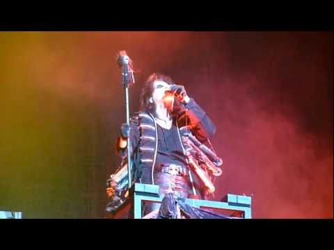 Alice Cooper - Black Widow (Live - The O2, Dublin Ireland, June 2011) [HD]