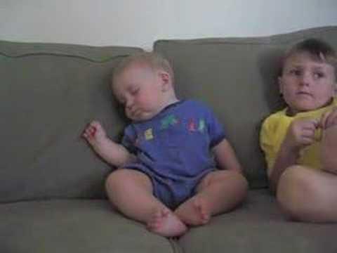 Beba flen duke shiku tv-n