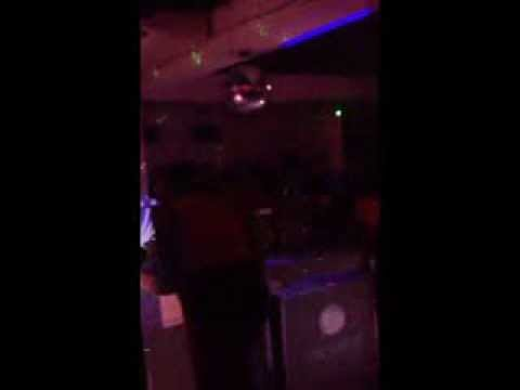 CASHFLOW RINSE PLAYING IN CLUB PRIVILEGE (KINGSTON,JAMAICA)(DJ RINSE MIXTAPE PRINCE)
