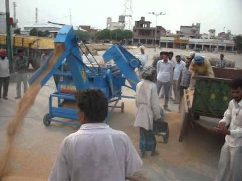 Prince Dhandiwalia (Barnala Punjab) Power Cleaner (Single and Double Blower With Elevator)r