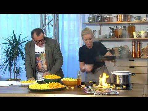 Плавуша готви во живо на Шведска телевизија, а специјалитетот е пржени смоки