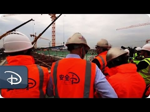 Vertical Construction Begins on Theme Park at Shanghai Disney Resort | Disney Parks
