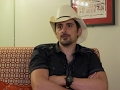 Brad Paisley unveils country's 1st visual record