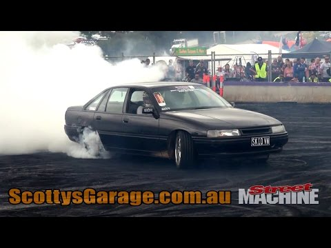 SKIDVN V6 Commodore Burnout