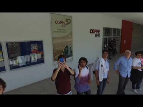 Drone filma manifestacao na UFRJ