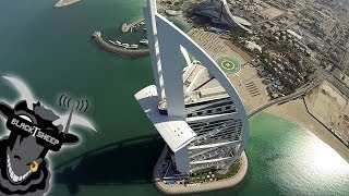 [Take An Arial Tour Of Dubai Via A Camera-Mounted Quadcopter] Video