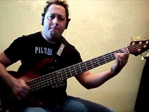 Bass Cover - David Quilan   Águas Profundas - Por Iris Cabelera
