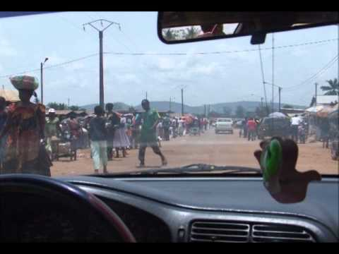 1601 On the streets of Bangui, CAR by car