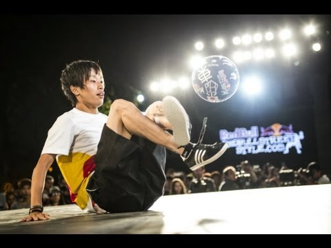 Freestyle football tricks in Tokyo - Red Bull Street Style World Final 2013