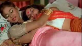 Mallu Sexiest Aunties! Aunty Maria Kissing Actress Reshma