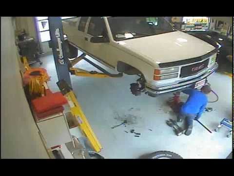 10000 Lb Car Lift >> Falling truck on lift with someone under it - YouTube