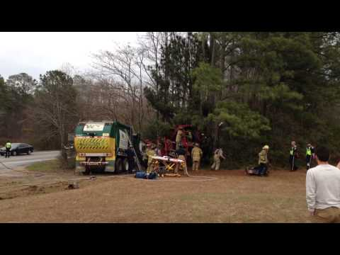 Master of Disaster wrecker accident 12/20/2013 3:30