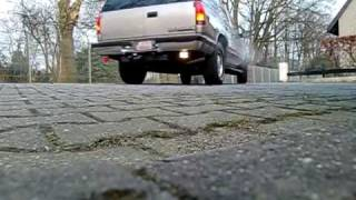 Chevrolet Tahoe 5.7 V8 Exhaust Sound Auspuff blubbern videos