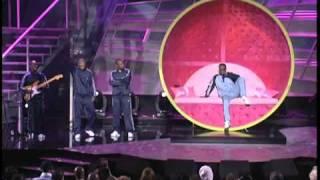 Jamie Foxx serenades Serena Williams at the ESPY Awards - Tennis Ball