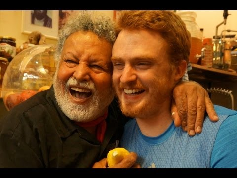 Happiest Man in Israel (Uzi-Eli Hezi Etrog Healer) laughing and massaging in Jerusalem עוזי-אלי חזי