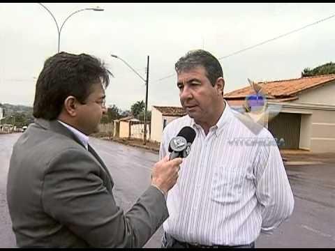 Avenida Tiradentes, em Indianópolis, recebe melhorias