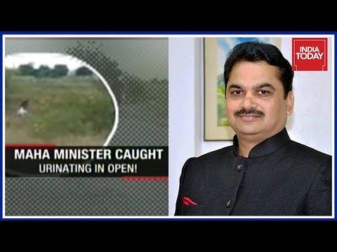 糗大了!印度官员随地便溺 视频疯传(图/视频)