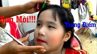 Bé Huyền trang điểm thi văn nghệ chào mừng 20 - 11 by Giai tri cho Be yeu