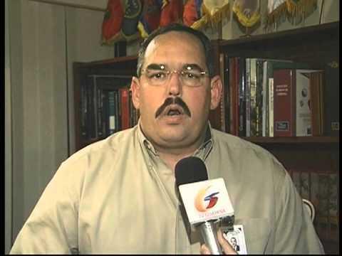 Rangel Gomez renuncia en pleno 12 de abril del 2002 y traiciona a Chavez