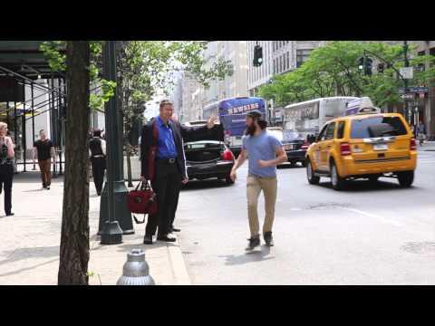 Одлепен тип им прави да пукне на луѓето кои викаат такси
