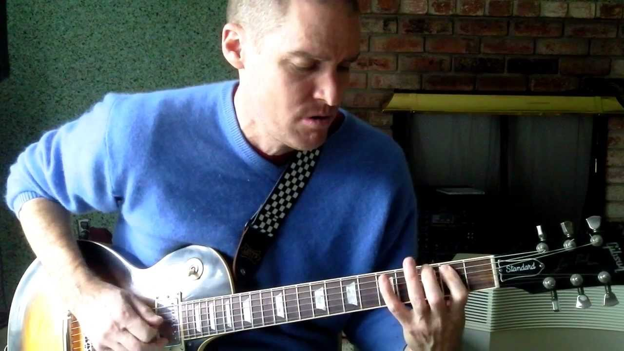 how to play the trooper on guitar