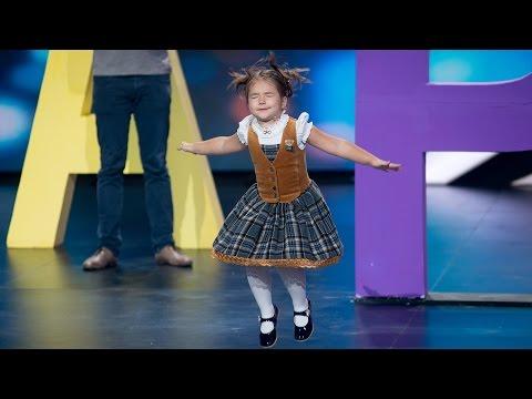 ЧУДО ОД ДЕТЕ: 4-годишното девојче од Русија кое течно зборува 7 ЈАЗИЦИ, меѓу кои и кинески и арапски