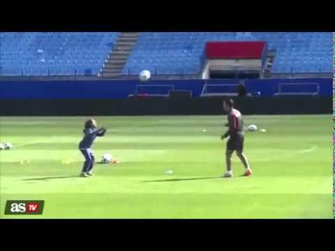 Skills son Simeone embarrass his father signed by Chelsea