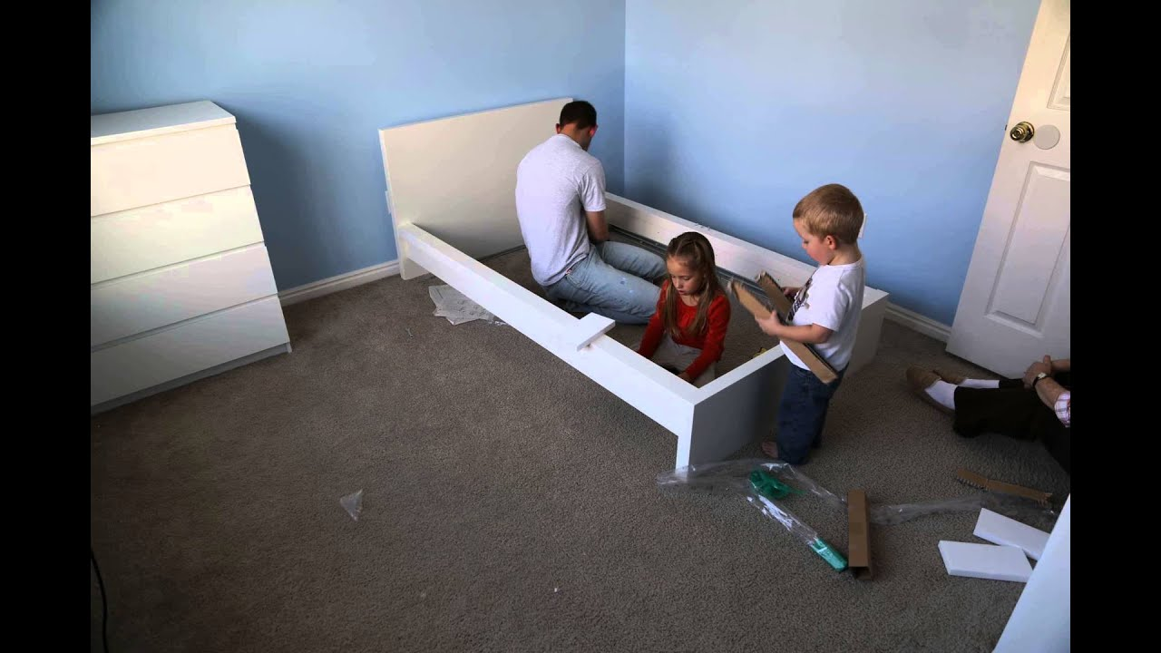 Time lapse assembly of ikea malm bed frame youtube for Someone to assemble ikea furniture