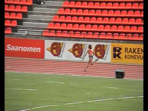 4x100 ekj 2003 Tampere series met Eugenie Kool in de startblokken