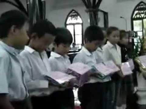 Clip 2.- Buổi phát thưởng cho học viên giỏi các lớp Giáo lý.flv