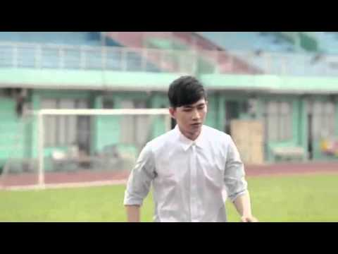 Kelvin Khánh cùng Khởi My  đãi fan  bằng hit cũ