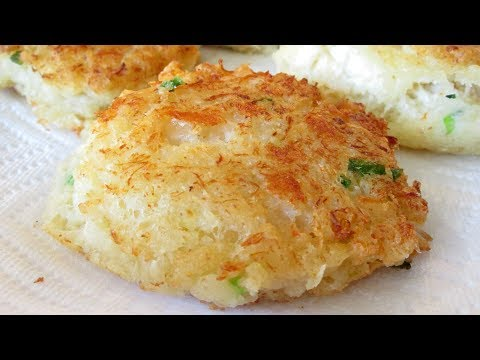 Red Lobster Crab Cakes - Fluffy, Crispy Crab Cakes with Pepper Jack Cheese