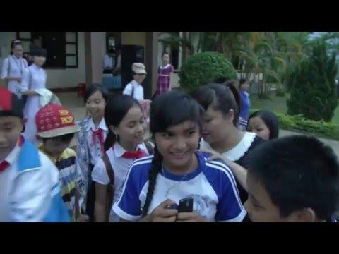 Vietnam Idol 2013 - Minh Thùy về thăm trường cũ
