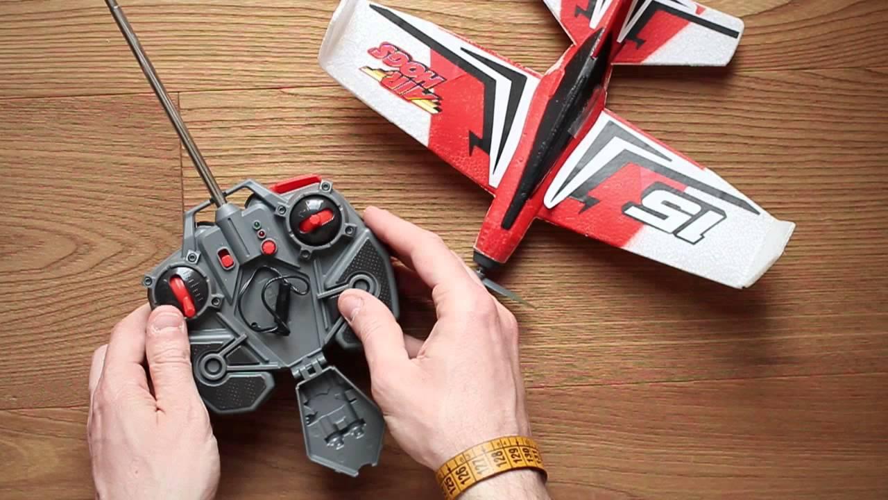 Elicottero Telecomandato Per Bambini : Aereo telecomandato per bambini sky stunt youtube