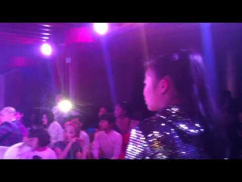 Mai Chí Công hát live - Chiếc Khăn Piêu