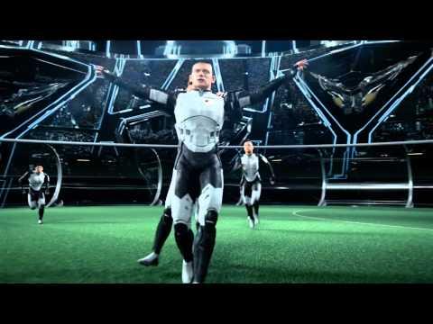 C.Ronaldo sát cánh Messi trong trận bóng với người ngoài hành tinh - p2